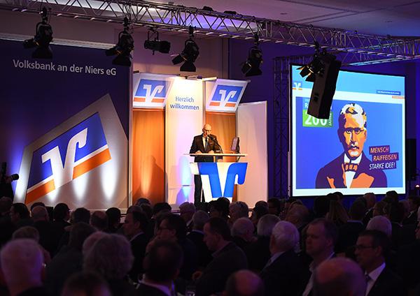 Vorstandsmitglied Wilfried Bosch beim Neujahrsempfang der Volksbank an der Niers