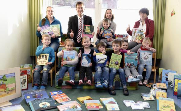 Neuer Lesespaß im Kindergaten St. Adelheid in Geldern